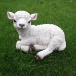 Gartenfigur Lamm - lebensecht