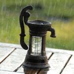 Niederschlagsmesser - Pluviometer Wasserpumpe